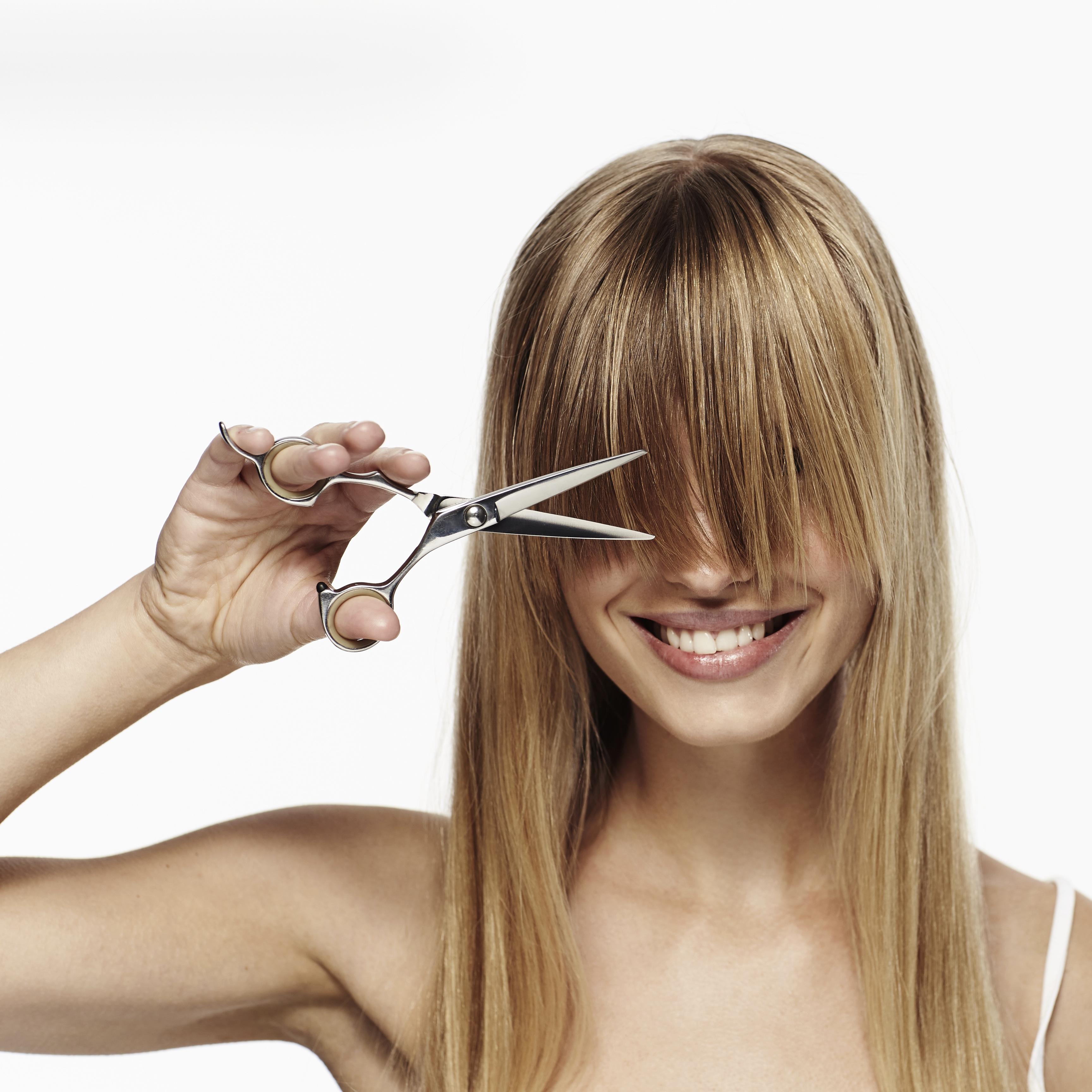 前髪を変えるだけでイメチェンできるやり方3つ