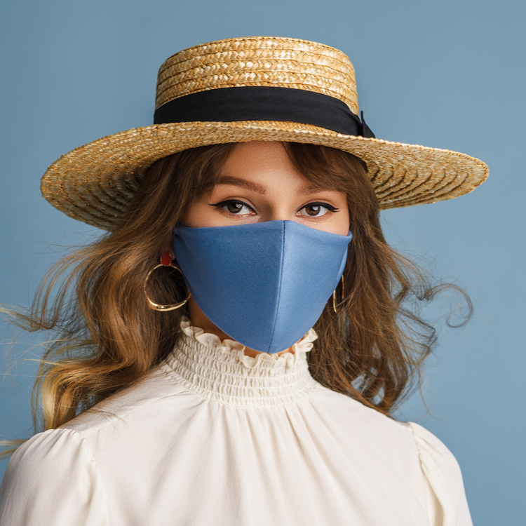 マスクを外しても美人な口元に!マスクの下に取り入れたいオススメリップ3選