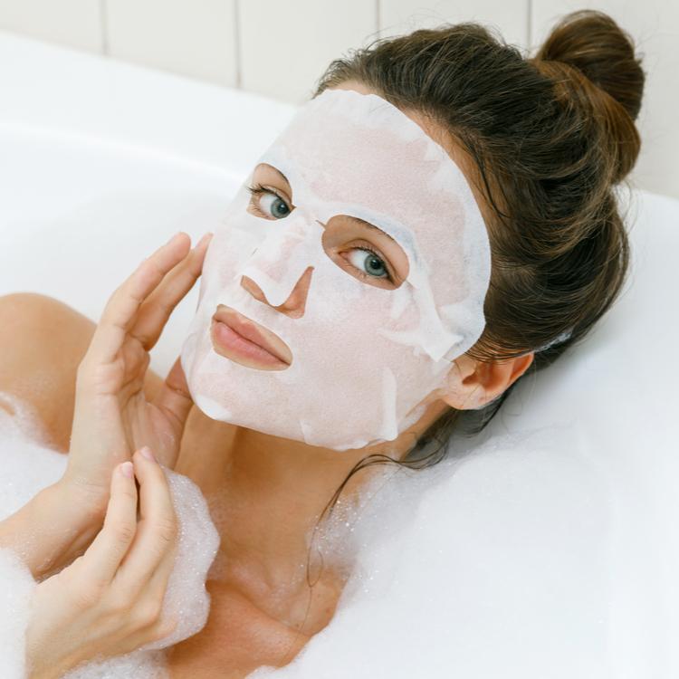 値段より効果を重視する方におすすめしたい「美白シートマスク」4選