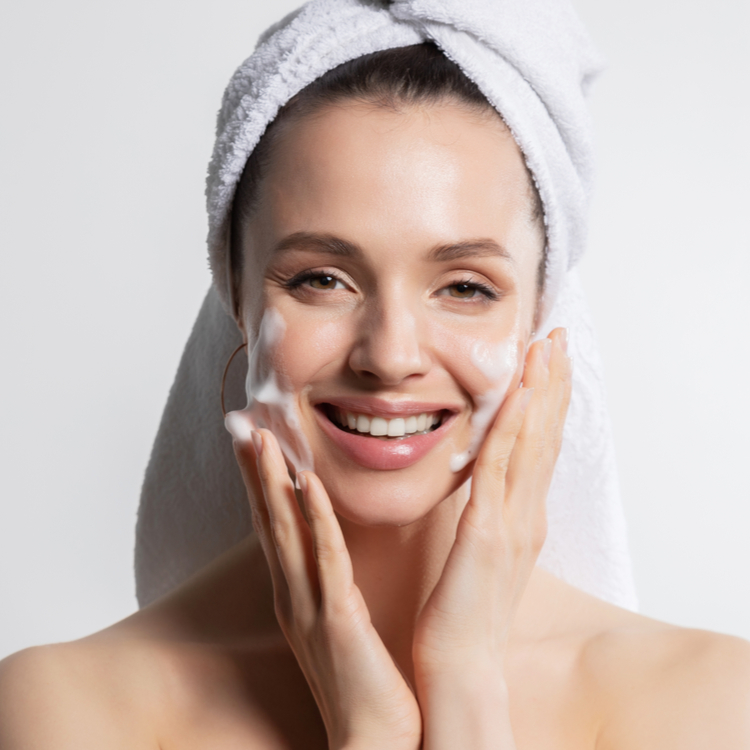 洗顔料を変えると肌は劇的に変わる!肌タイプ別『おすすめの洗顔料』