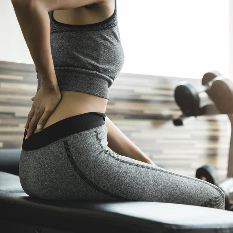 「スクワットをすると腰が痛くなる」という場合に行っておきたい3つのセルフコンディショニング法