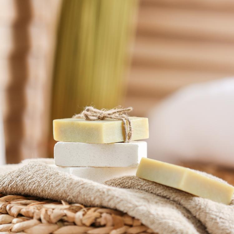 人気急上昇!?「固形石鹸」での洗顔の魅力を解説!おすすめの固形石鹸も紹介!