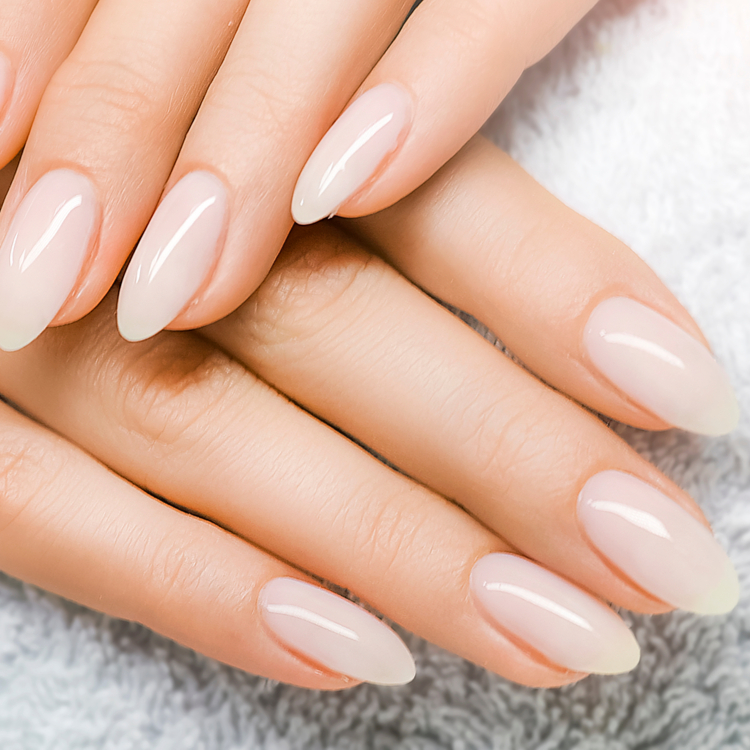 爪には美容液が効果的!佐藤製薬の「ネイル リペアセラム」で毎日素爪美人へ