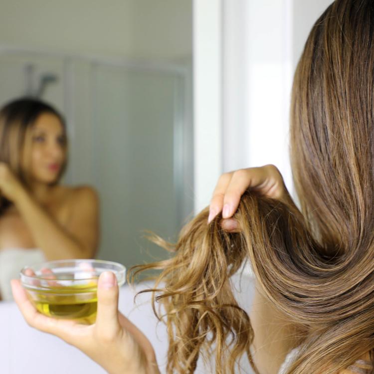 忘れてない?UVヘアオイルで髪の紫外線対策を徹底しよう!~オススメヘアオイル3選~