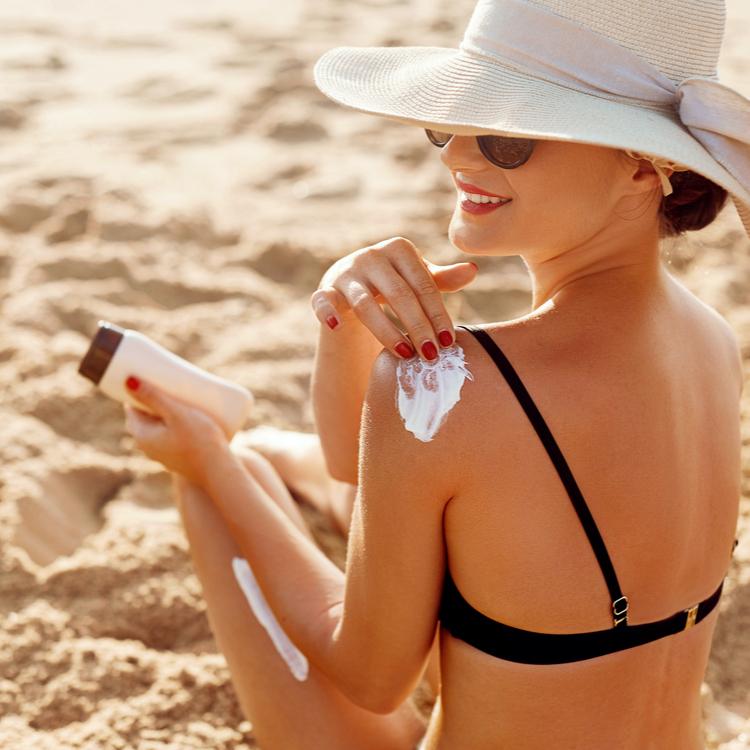 UVケア化粧品のSPFとPAの違いとは?季節ごとの日焼け止めの選び方をチェック