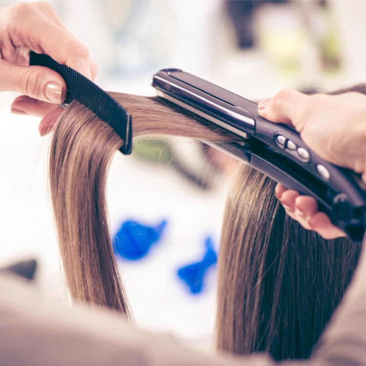 【コードレスヘアアイロン】でいつでもどこでもサラツヤ髪に!