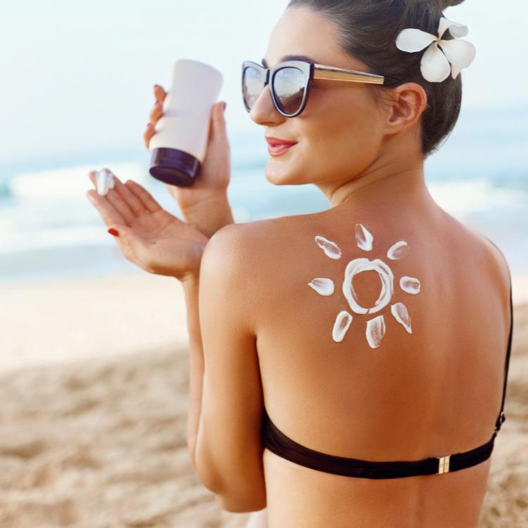 夏の日焼けをした後のアフターケアとは?しっかりリカバリーして肌トラブルを予防する!